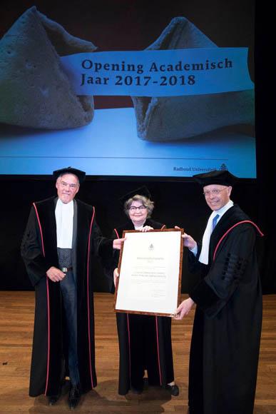 """祝贺拉德堡大学牙学院三位教授获得2017年度 该校""""国际化贡献奖"""""""